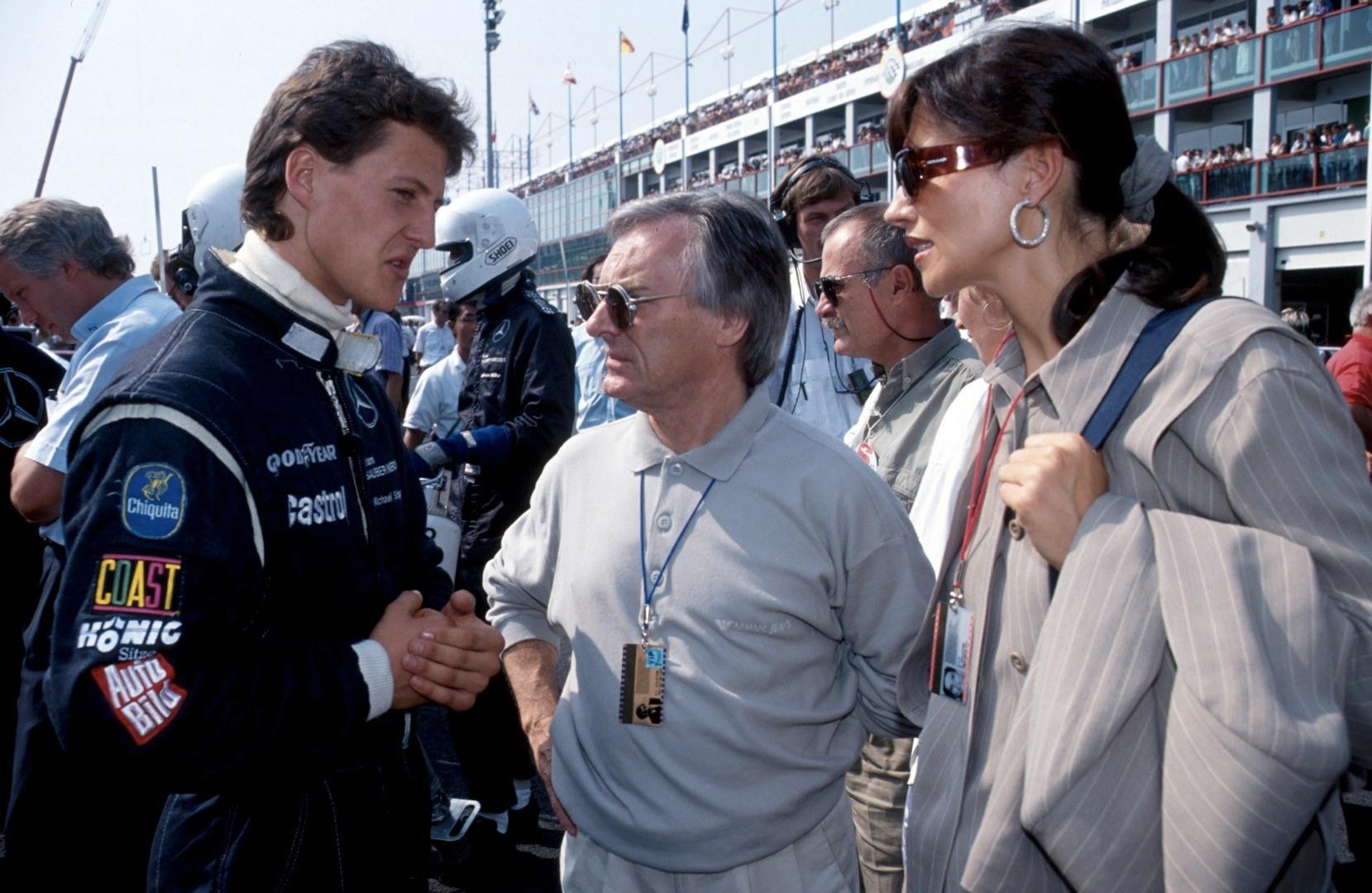 Wikipedia'da Sep 1991 yazsa da LeMans esnasında çekildiğini tahmin ettiğim fotoğraf... Bernie aslında kancayı çoktan takmış Schumacher'e.