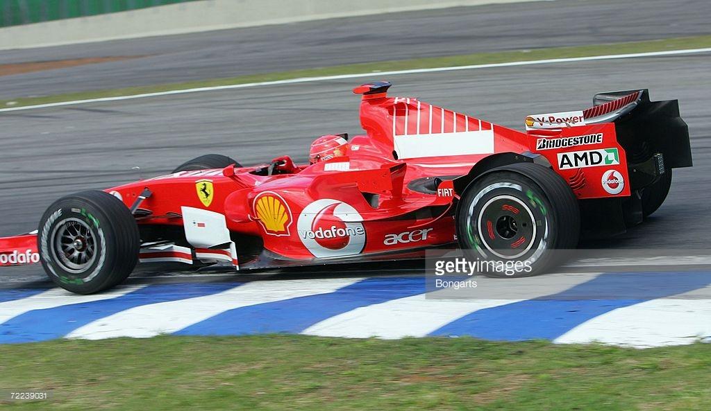 Bu bandrolü görenin aklına her zaman Marlboro gelir, 2006 Brezilya'da Schumacher'in üzerinde.