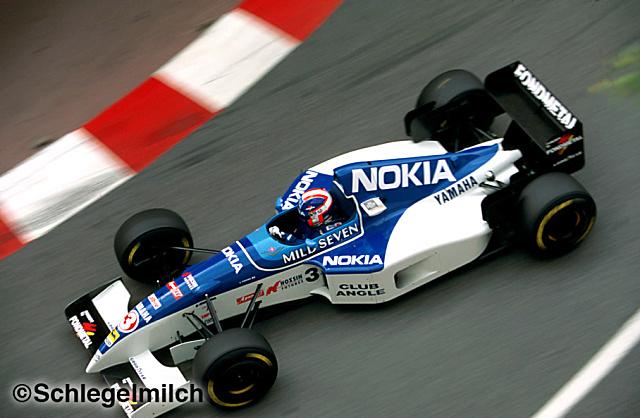 Tyrrell Mild Seven'ın sponsor olduğu ikinci takımdı 1995 sezonunda.