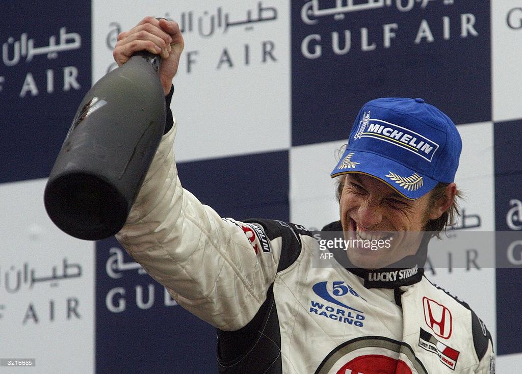 Button Formula 1 tarihinde ilk olarak Waard içen patlatan pilotlardan biriydi.