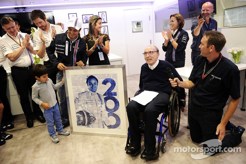 Felipe Massa 200. yarışını 2014 İngiltere GP'sinde kutluyor, takımın evi Williams'ta. Eğer o günlerden başka fotoğraflar aramak isterseniz; Alonso-Raikkönen ve hatta Ricciardo ile çekilen fotoğraflar farkedeceksiniz.